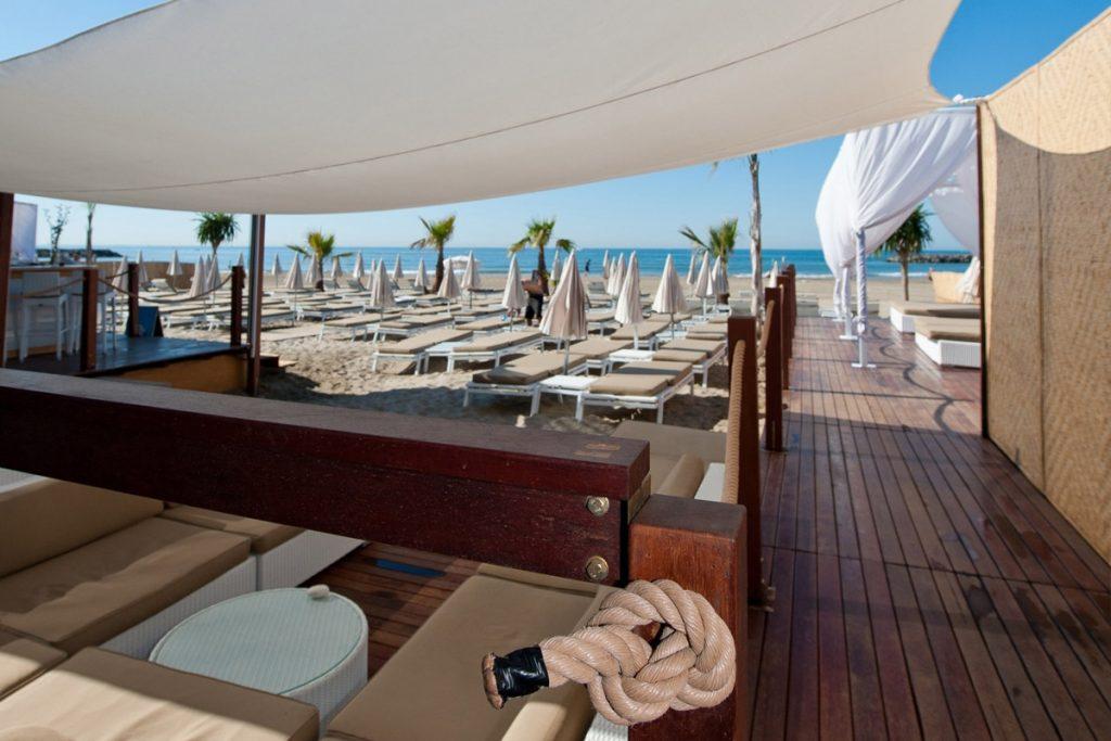 plage privée de luxe au cap d'Agde